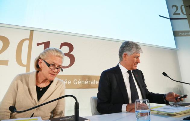 Le président du directoire de Publicis Maurice Lévy et la présidente du conseil de surveillance Elisabeth Badinter , le 14 février 2013 à Paris [Pierre Verdy / AFP/Archives]