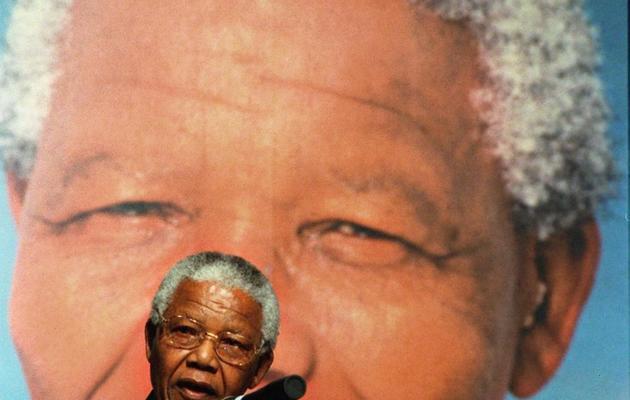 Le président Nelson Mandela prononce un discours à Pretoria, le 29 octobre 1998 [Walter Dhladhla / AFP/Archives]