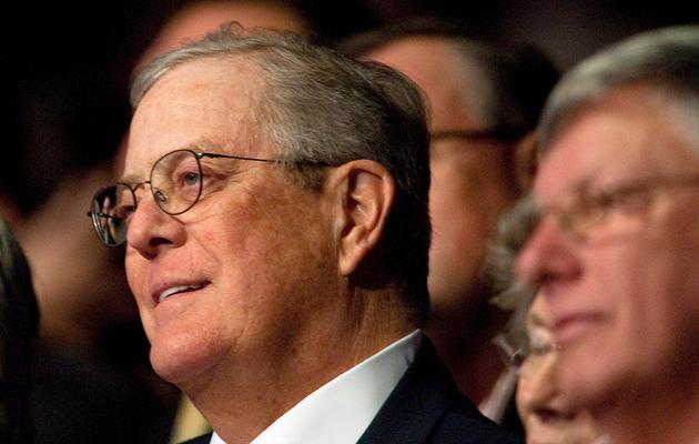 Le milliardaire David Koch (g), le 5 novembre 2011 à Washington [Nicholas Kamm / AFP/Archives]