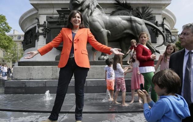 La candidate PS à la mairie de Paris, Anne Hidalgo, inaugure le 16 juin 2013 la place de la République, dans la capitale [Kenzo Tribouillard / AFP]