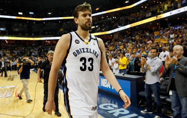 Marc Gasol des Memphis Grizzlies, déçu après la défaite de son équipe face aux Spurs, le 27 mai 2013 [Kevin C. Cox / Getty Images/AFP]