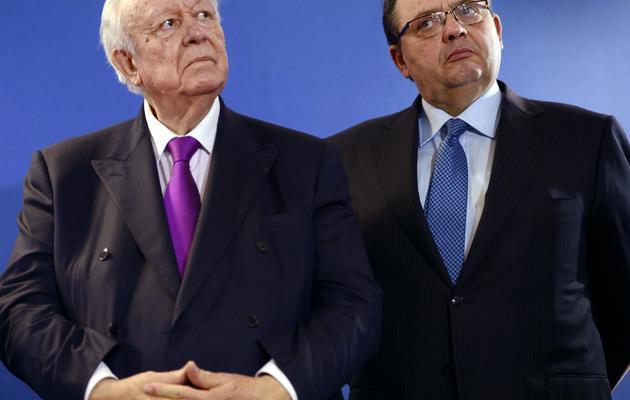 Jean-Claude Gaudin et Patrick Mennucci le 8 février 2013 à Marseille [Anne-Christine Poujoulat / AFP/Archives]
