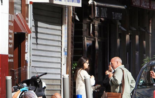 """Des policiers devant la bijouterie """"La Turquoise"""" le 11 septembre 2013 à Nice [Jean-Christophe Magnenet  / AFP]"""