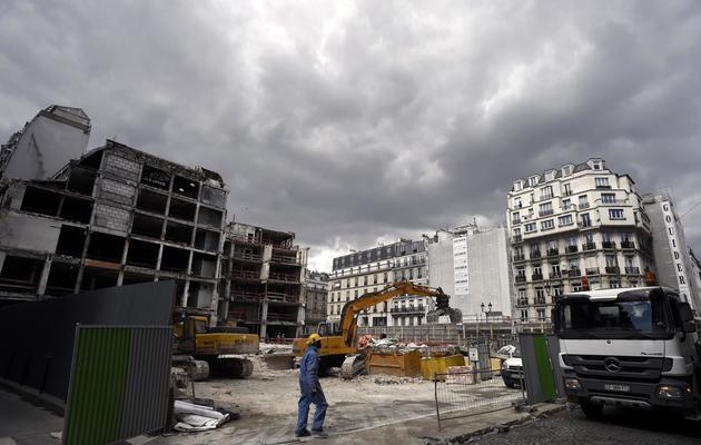 La facade partiellement détruite de la Samaritaine, à Paris le 8 avril 2014 [Franck Fife / AFP]