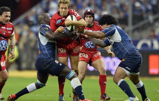 Le capitaine toulonnais Johny Wilkinson (C) lors du match contre Castres, au Stade de France à Saint-Denis le 1er juin 2013 [Lionel Bonaventure / AFP]
