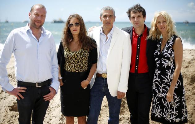 Les acteurs François Damiens (G), Karole Rocher, Samy Naceri, Sandrine Kiberlain (D) et le réalisateur Serge Bozon, le 19 mai 2013 à Cannes [Loic Venance / AFP]