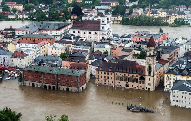 La ville allemande de Passau envahie par les eaux, le 1er juin 2013 [Armin Weigel / DPA/AFP]