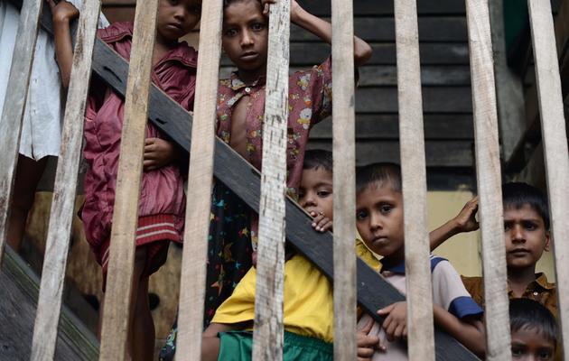 Des enfants Rohingyas dans une école pour personnes déplacées à Theik Kayk Pyim, dans l'Etat Rakhine, le 11 octobre 2012 [Christophe Archambault / AFP/Archives]