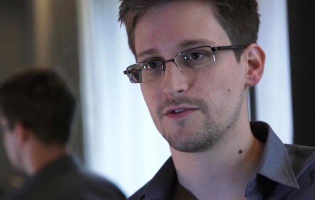 Edward Snowden, photographié le 6 juin 2013 par le Guardian lors d'un entretien avec le journal, à Hong Kong [The Guardian / The Guardian/AFP/Archives]