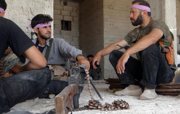 Photo fournie le 8 juin 2013 par Shaam News Network de rebelles syriens près d'Alep [ / AFP]