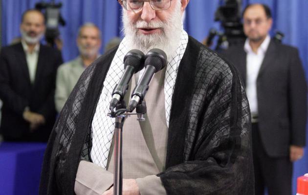 Le guide suprême iranien, l'ayatollah Ali Khamenei, prononce un discours après avoir voté, le 14 juin 2013 à Téhéran [ / Site internet du Guide Suprême/AFP]