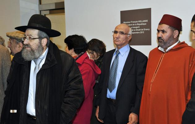 Un rabbin et des imams au Mémorial de la Shoah à Drancy (Seine-Saint-Denis), le 4 février 2013 [Mehdi Fedouach / AFP]