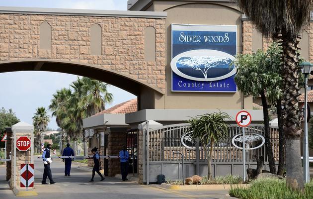 L'entrée de la résidence où se trouve le domicile d'Oscar Pistorius à Pretoria, le 14 février 2013 [Stéphane de Sakutin / AFP]