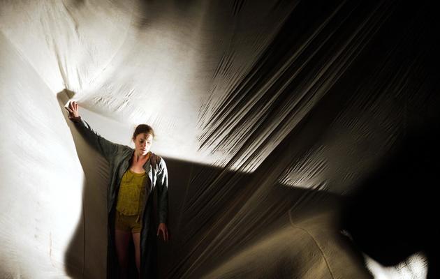 """Une artiste du Cirque Plume lors d'une répétition du spectacle """"Tempus fugit?"""", le 15 mai 2013 à Besançon [Sebastien Bozon / AFP]"""