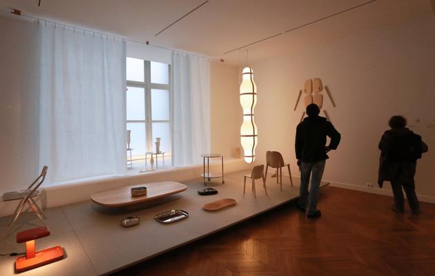 Photographie de l'exposition consacrée à Ronan et Erwan Bouroullec, au musée des Arts décoratifs à Paris, le 16 mai 2013 [Pierre Verdy / AFP]