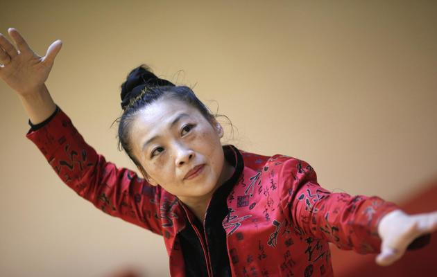 Ke Wen, pionnière dans l'introduction du Qi Gong en Occident, à Paris, le 21 mai 2013 [Kenzo Tribouillard / AFP]