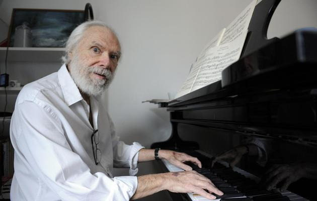 L'auteur-compositeur Georges Moustaki, le 28 avril 2008 à Paris [Stephane de Sakutin / AFP/Archives]