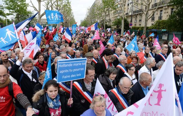 Des opposants au mariage pour les couples homosexuels défilent, le 26 mai 2013 à Paris [Eric Feferberg / AFP]