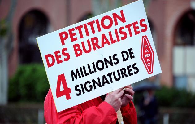 Des buralistes manifestent à Toulouse le 30 mai 2013 [Pascal Pavani / AFP]