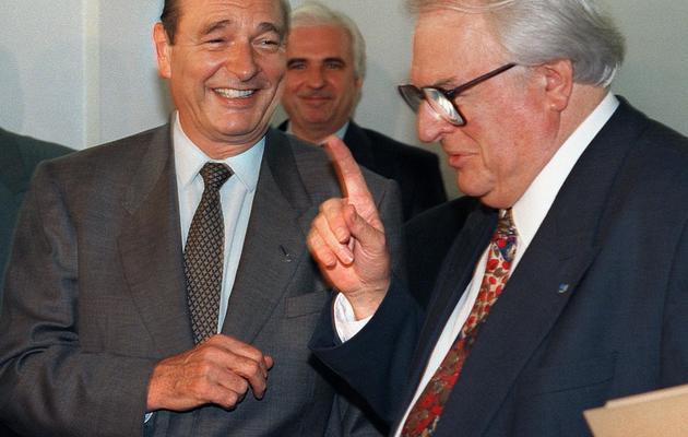 Jacques Chirac (g) et Pierre Mauroy, le 4 novembre 1994 à Lille [Jacques Demarthon / AFP/Archives]