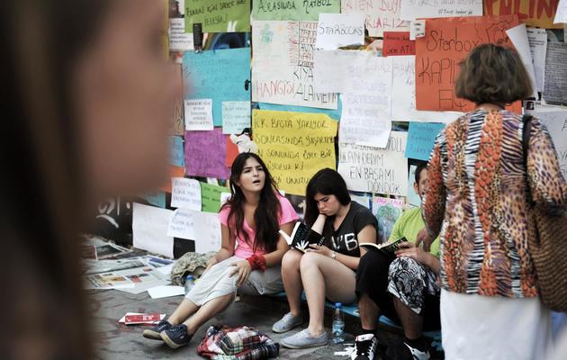 Des manifestantes le 8 juin 2013 à Izmir [Ozan Kose / AFP]