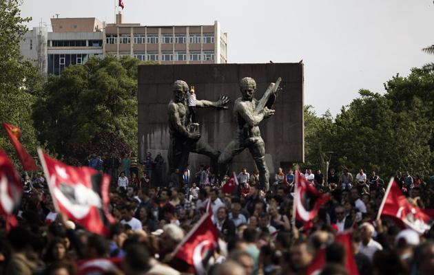 Des protestataires turcs manifestent à Ankara, le 9 juin 2013 [Marco Longari / AFP]