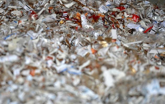 Les restes de produits contrefaits après destruction, le 11 juin 2013 à Strasbourg [Patrick Hertzog / AFP]