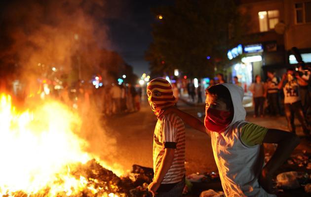 Des jeunes manifestants le 11 juin 2013 à Istanbul [Bulent Kilic / AFP]