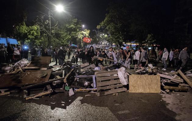 Des manifestants le 12 juin 2013 dans le centre d'Ankara [Marco Longari / AFP]
