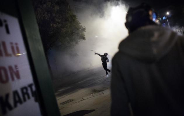 Affrontements entre la police et des manifestants dans le centre d'Ankara, le 12 juin 2013 [Marco Longari / AFP]