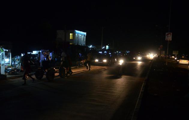 Une rue de Niamey dépourvue d'éclairage public, le 18 juin 2013 [Boureima Hama / AFP]