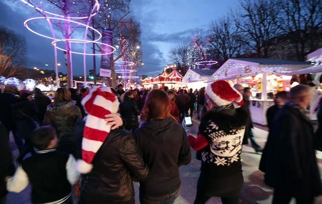 Marché de Noël sur les Champs Elysées le 16 décembre 2012 à Paris [Jacques Demarthon / AFP/Archives]