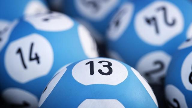 Les 1.400 gagnants vont se partager 3,4 millions de dollars (3,1 millions d'euros).