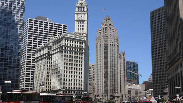 Le siège du groupe de presse Tribune (au centre avec le drapeau), en 2012 à Chicago [Scott Olson / Getty Images/AFP/Archives]