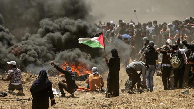 Le conflit israelo-palestinien, ici à la frontière de la Bande de Gaza, l'un des sujets du livre de P.Boniface et H.Védrine