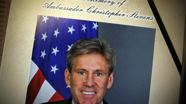 Photo de Christopher Stevens, l'ambassadeur américain tué Libye, exposée le 14 septembre 2012 à Washington [Alex Wong / Getty Images/AFP/Archives]