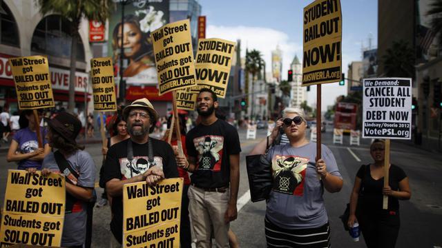 Manifestation contre le coût en hausse des prêts étudiants, à Los Angeles le 22 septembre 2012 [David Mcnew / Getty Images/AFP/Archives]