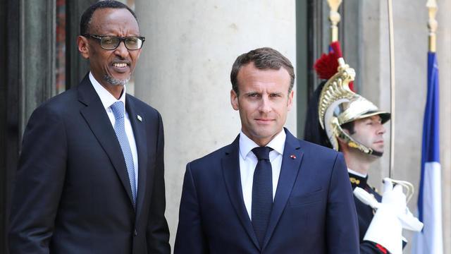 Paul Kagame avec Emmanuel Macron lors de sa visite à Paris en mai 2018.