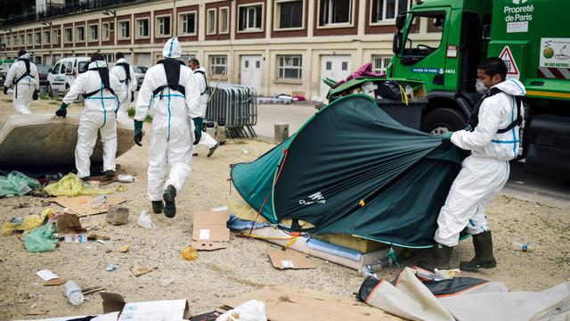 Plus d'un millier de migrants seraient actuellement en errance dans les rues de la capitale.