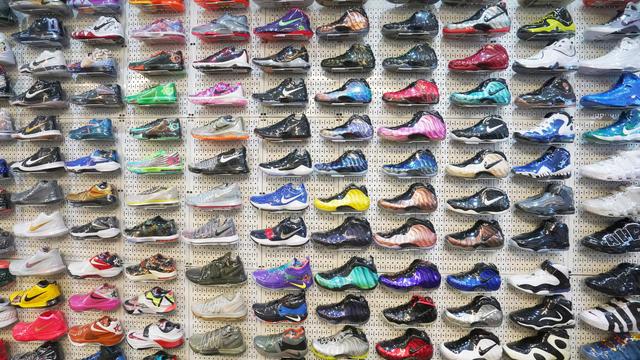 Un magasin de baskets de luxe à New York.