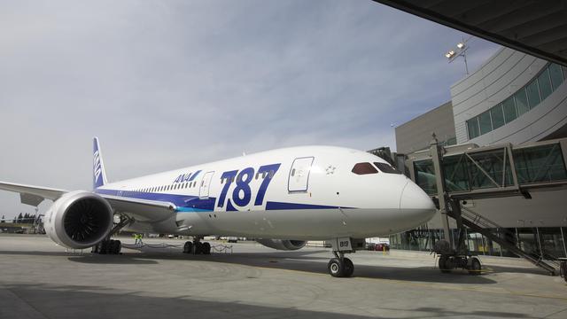 """Un Boeing 787 """"Dreamliner"""" à l'aéroport de Washington [Stephen Brashear / Getty Images/AFP/Archives]"""