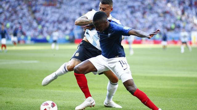 Déjà averti face au Pérou en phase de groupes, le joueur a pris un carton jaune lors de la victoire des Bleus contre l'Argentine (4-3), en 8e de finale.