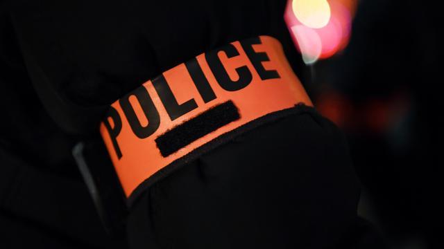 Le jeune homme a été interpellé par les forces de l'ordre.