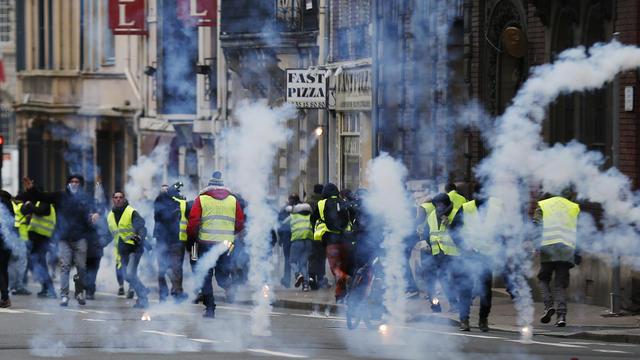 Les trois «gilets jaunes» ont été légèrement blessés par une voiture qui a tenté de traverser leur manifestation. (Image d'illustration).