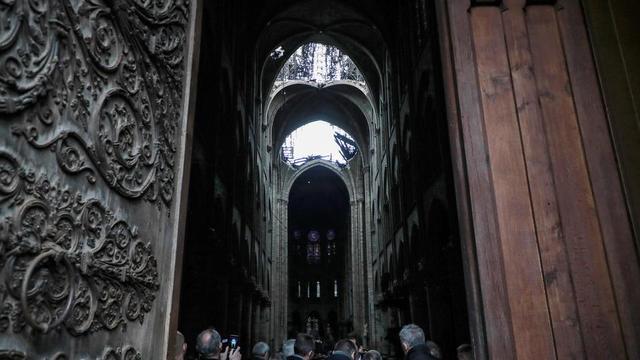 La cathédrale Notre-Dame de Paris a été ravagée par un gigantesque incendie lundi 15 avril dans la soirée.