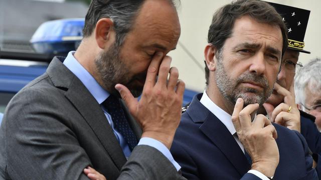Le Premier ministre avec Christophe Castaner lors d'une visite de gendarmerie.