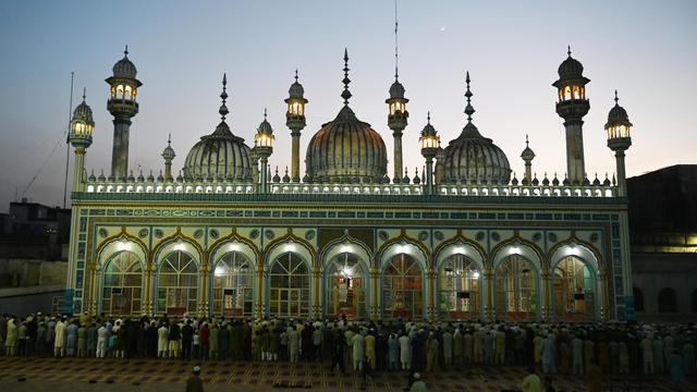 Une mosquée dans la ville de Rawalpindi au Pakistan.
