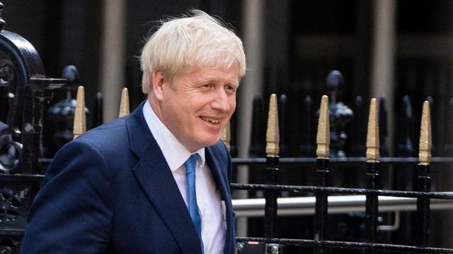 Boris Johnson a été reçu dans l'après-midi par la reine Elizabeth II, qui l'a désigné Premier ministre et l'a chargé de former un nouveau gouvernement.