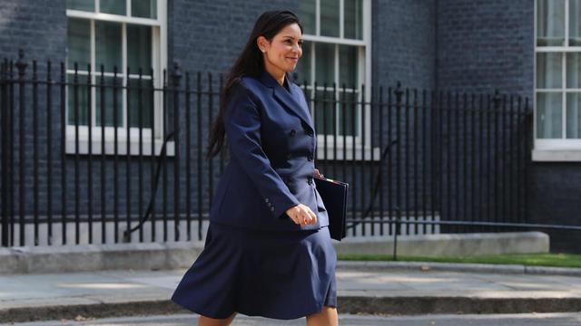 Royaume uni qui est priti patel la nouvelle ministre de - Cabinet du ministre de l interieur ...