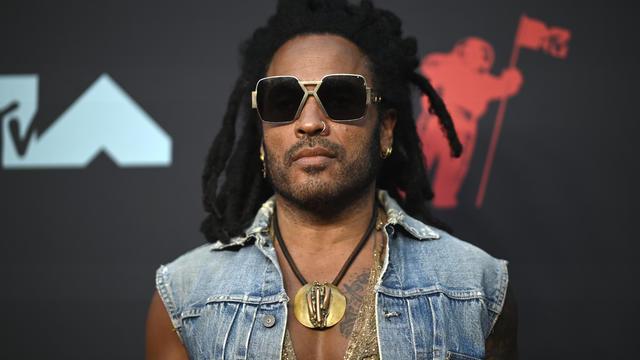 Lenny Kravitz a lancé un appel inattendu sur Twitter pour retrouver des lunettes qu'il portait lors d'un récent concert.